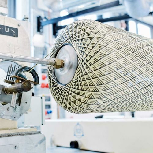 Anlage zur Verarbeitung von endlosfaserverstärkten thermoplastischen UD-Tapes im Wickelverfahren an der TU Chemnitz
