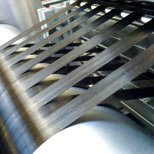 CePreg® - Herstellung thermoplastischer Prepregs - Detailaufnahme nach dem Faserspreizen